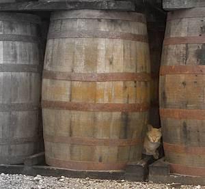 Tonneau En Bois : journal de bord d 39 une camionneuse vieux barils bon whisky ~ Melissatoandfro.com Idées de Décoration