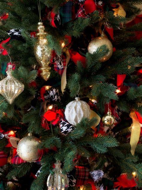 christmas tree ornament mobile mobile christmas trees hgtv 3301