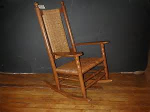7 cracker barrel oak wicker rocking chair 1689 lot 7