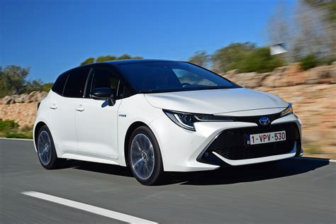 toyota corolla hatchback review pictures carbuyer
