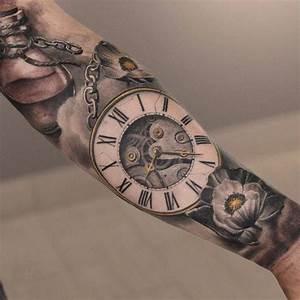 Tatouage Bras Homme Religieux