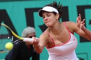 Richtige Bh Größe Berechnen : tennis julia goerges breast ~ Themetempest.com Abrechnung