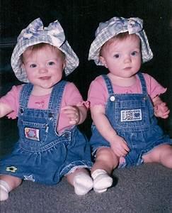 Twins Babies HD Wallpapers | Free Download Wallpaper ...