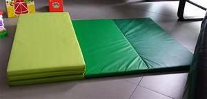Testing cascadeur en herbe deroulons le tapis for Tapis de gym avec canape vega
