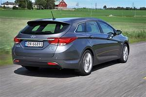Hyundai I40 Sw : hyundai i40 tourer review 2011 parkers ~ Medecine-chirurgie-esthetiques.com Avis de Voitures