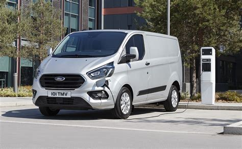 As a total package, the transit custom has always been tough to beat. Ford Transit et Tourneo Custom : prix corsés pour l ...