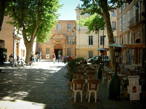 aix en provence tourism holiday guide