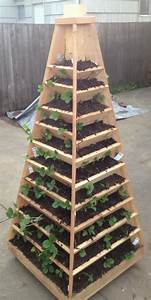 Pyramide Selber Bauen : how to build a vertical garden pyramid tower for your next ~ Lizthompson.info Haus und Dekorationen