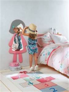 Patere Chambre Fille : miroir porte manteau pour d corer une chambre de fille d corer ~ Teatrodelosmanantiales.com Idées de Décoration