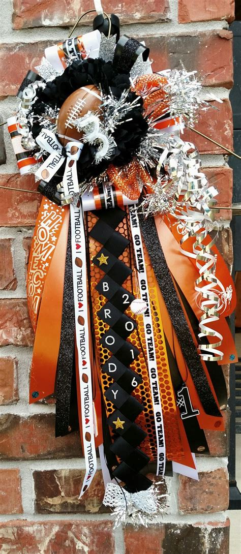 homecoming mums for boys 1000 images about mums n lei s n celebration bits on pinterest