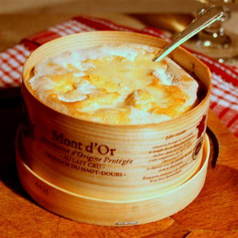 fromage mont d or au four mont d or les filles 224 table