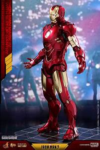 Iron Man Mark IV with Suit-Up Gantry Collectible Set by ...