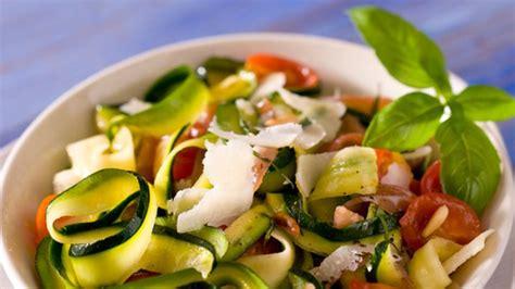 cuisiner les courgettes rondes tagliatelles de courgettes facile et pas cher recette