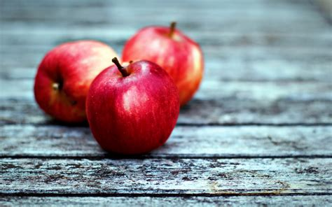 12 Wonderful HD Apples Wallpapers
