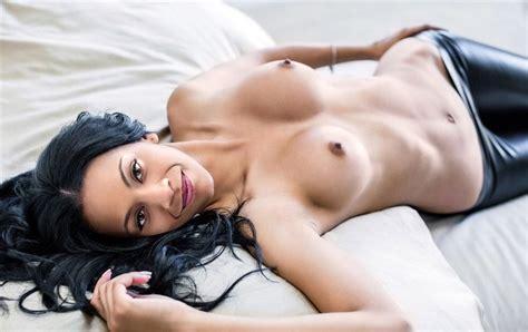 Zoe Saldana Topless Celebrity Leaks Scandals Leaked Sextapes