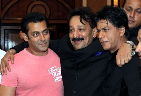 shah rukh khan turns  salman khan ends feud  hugs