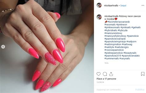 unghie estive  rosa fluo  fucsia
