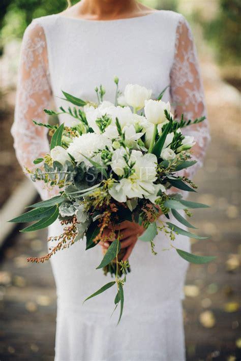 divine wedding flowers  bridal bouquets gold coast