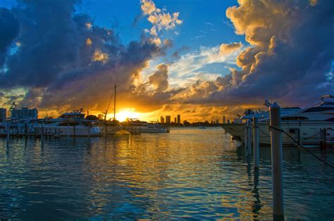 Boat Club Miami Fl by Sunset Harbour Yacht Club In Miami Fl United