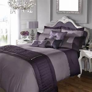 Couleur lilas et autres tons pastel pour decorer la for Chambre à coucher adulte avec housse de couette graphique pastel