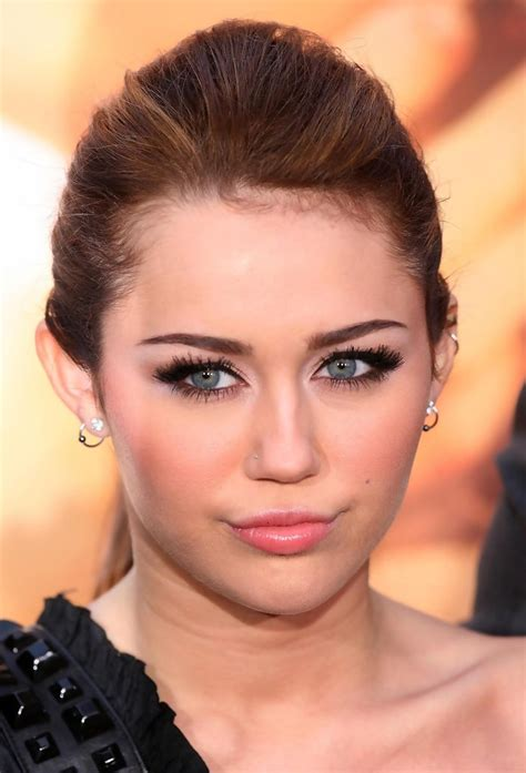 miley cyrus eye color miley cyrus smoky miley cyrus looks stylebistro