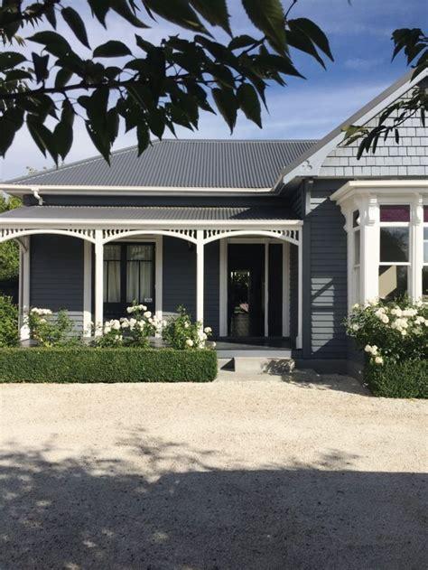 25 best ideas about blue house exteriors blue house exterior colors blue houses