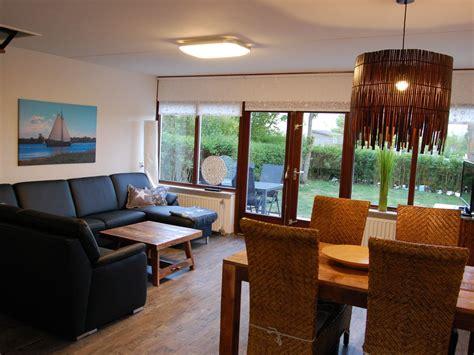 Wohn Essbereich by Ferienhaus Zeelandsonne Brouwershaven Frau Marina Marx
