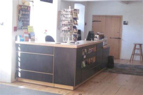 comptoir bureau bureau d 39 accueil touristique de charlesbourg québec