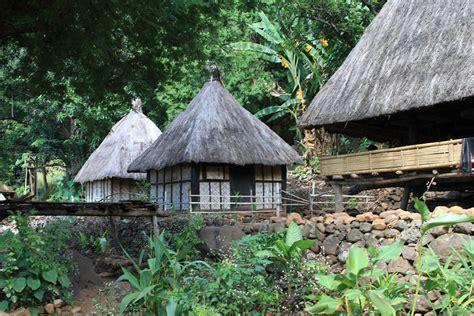 keunikan kampung tradisional takpala alor  negeri seribu