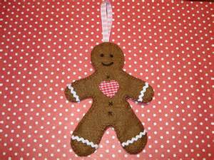 cupcake cutie free christmas felt ornament pattern gingerbread man