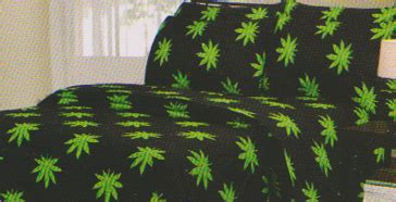 marijuana leaf bedding queen size sheet set