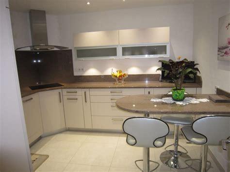 cuisine taupe et noir cuisine taupe quelle couleur pour les murs avec cuisine
