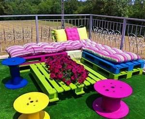 Lounge Kissen Selber Machen : gartenm bel aus paletten trendy au enm bel zum selbermachen ~ Frokenaadalensverden.com Haus und Dekorationen