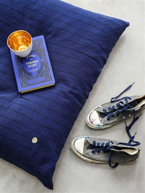 deco bleu indigo des idees du salon  la chambre joli