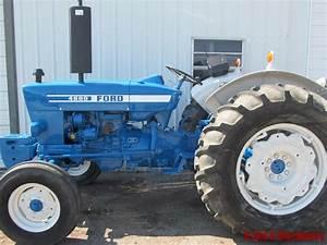 Ford 4600 Diesel Farm Tractor