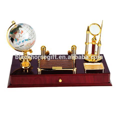 excellente qualité de luxe bureau bureau papeterie cadeau avec globe porte stylo portable artisanat en bois id de produit 1952265711