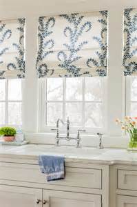 kitchen window dressing ideas 25 best ideas about kitchen curtains on