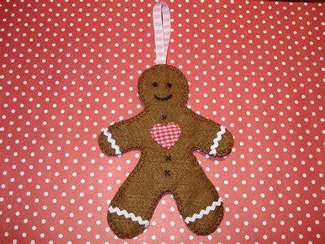 cupcake cutie  christmas felt ornament pattern