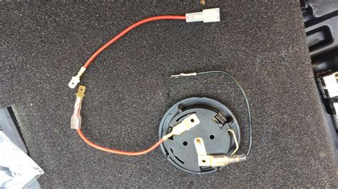 wiring in aftermarket push button horn to e46