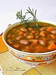 Traditional zuppa di fagioli