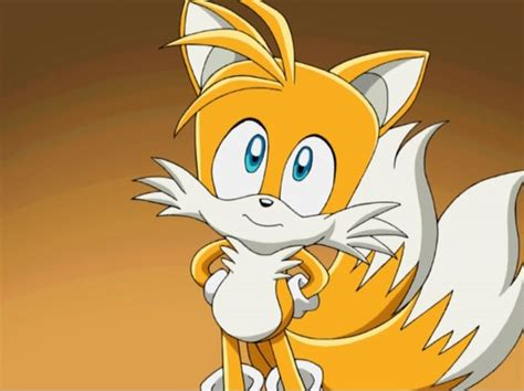 Tails Cute Look Up.jpg