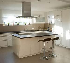 Ikea 0 Finanzierung : k che wei mit schwarzer arbeitsplatte k che 0 finanzierung spritzschutz granit aus ytong ikea ~ Markanthonyermac.com Haus und Dekorationen
