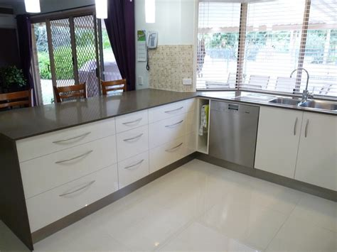 Small White Kitchens Images