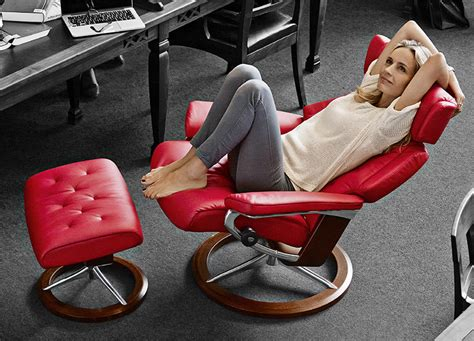 ekornes stressless skyline leather recliner  ottoman