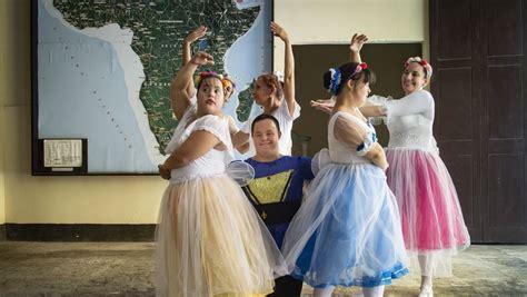 Aus wikipedia, der freien enzyklopädie. Ballett in Havanna: Wie Tanzen einem jungen Mann mit Down-Syndrom hilft - DER SPIEGEL