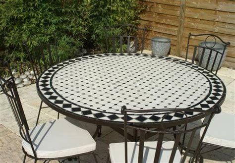 table jardin mosaique ronde 130cm c 233 ramique blanche et ses losanges en ardoise table jardin