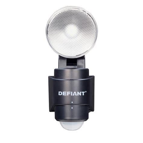 defiant lighting customer service defiant 180 degree 1 head black led motion sensing battery