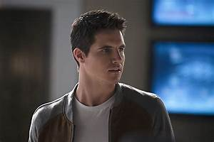 Robbie Amell Set to Return to 'The Flash' – Fan Fest | For ...