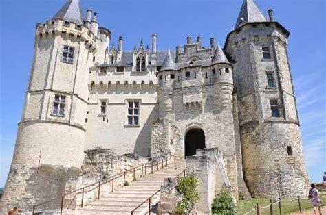 maison de la literie saumur the entrance from the courtyard picture of chateau de saumur saumur tripadvisor
