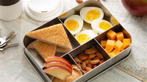 grab n go egg breakfast box get cracking